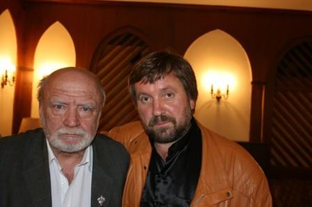 С писателем В.Прониным, ЦДЛ, 2009