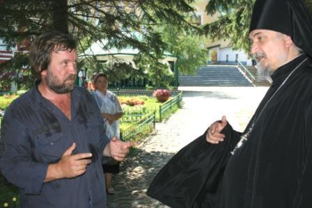 Август, 2010, Псково-Печерская лавра, с настоятелем